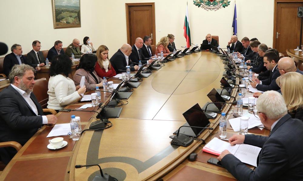 България обявява извънредно положение заради епидемията от коронавирус!