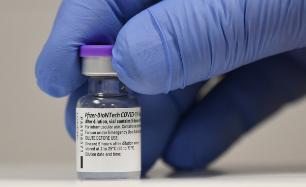 Италианка получи погрешка 6 дози Pfizer/BioNTech, под наблюдение е
