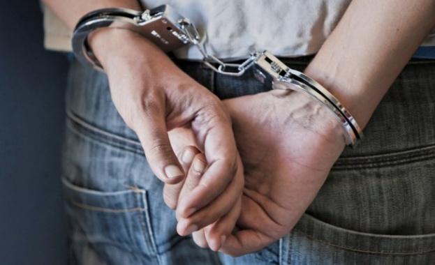 Собственик на фирма за дограма е задържан за купуване на гласове