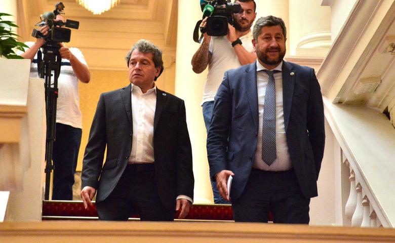 """ИТН и ДБ се разбрали за смяната на главния прокурор и ВСС! 148 депутати са """"За"""" промените, май ще има правителство!?"""
