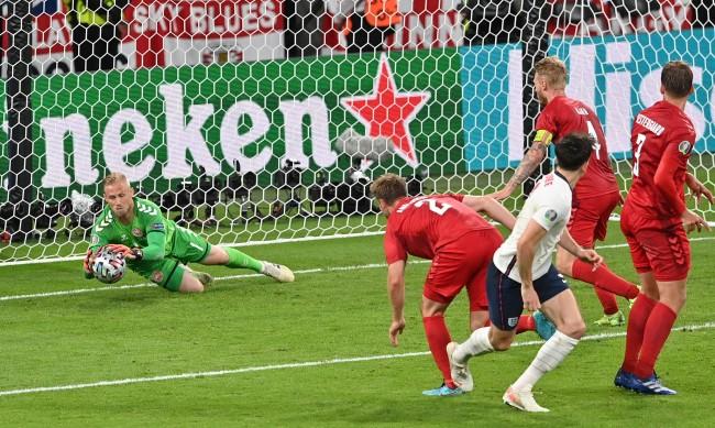 """Историческа вечер на """"Уембли""""! Англия се класира на финала на Европейското след 2:1 срещу Дания"""