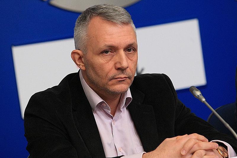 Адв. Николай Хаджигенов се разграничи от Мая Манолова