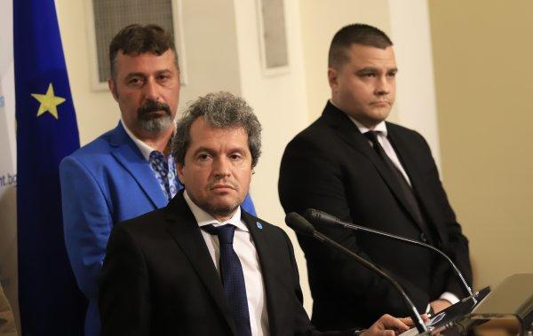 Тошко Йорданов към Радан Кънев: Боклук!
