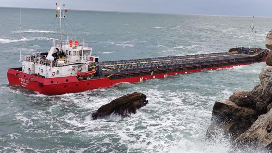 Държавата отпусна 3 млн. лв. за операцията около заседналия кораб Vera Su